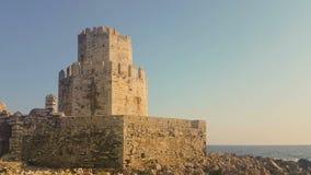 Methoni,希腊2017年8月4日 Methoni城堡在反对天空的希腊 股票视频