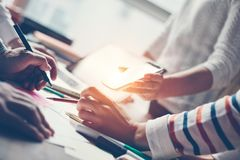 Meting för lag Projektplanprocess Digital och skrivbordsarbete Fotografering för Bildbyråer