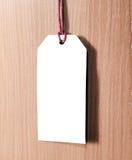 Metka na drewnianym tle pusta etykiety Obrazy Royalty Free