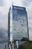 : MetLife American Insurance Company avec des réflexions de nuages de pluie Photo stock