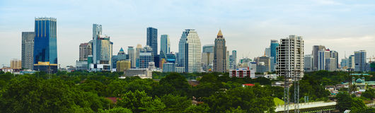 Metrópoli de la tarde del panorama - Bangkok imagen de archivo
