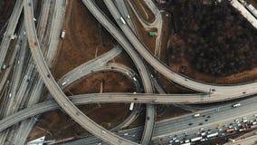 Metragem aérea cinemático da junção de estrada grande vídeos de arquivo