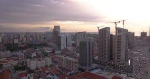 Metragem aérea da baía de Luandaem África vídeos de arquivo