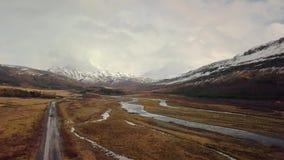 Metragem aérea da paisagem em Islândia filme