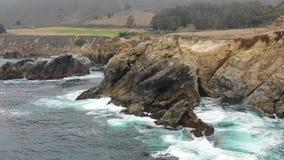 Metragem aérea de Rocky Northern California Coastline filme