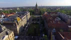 Metragem aereal do centro da cidade de Timisoara video estoque