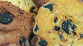 Metragem de cookies caseiros dos pedaços de chocolate filme