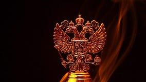 Metragem do hd do fumo da brasão do russo do ouro video estoque