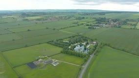 metragem 4K aérea do parque do país dos lagos Brickyard, North Yorkshire, Inglaterra filme