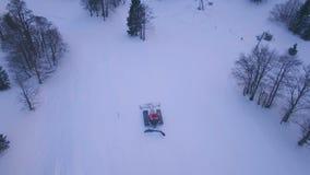 Metraggio aereo del gatto della neve archivi video