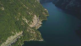 Metraggio aereo del lago Piva video d archivio