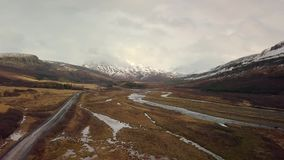 Metraggio aereo del paesaggio in Islanda stock footage