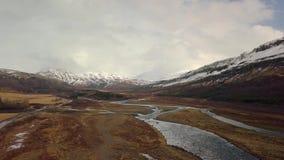 Metraggio aereo del paesaggio in Islanda video d archivio