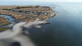 Metraggio aereo di vecchia baia di Delaware del naufragio Heislerville stock footage