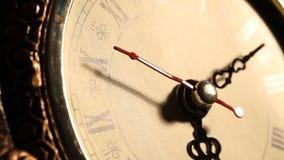 Metraggio alto vicino dell'orologio stock footage