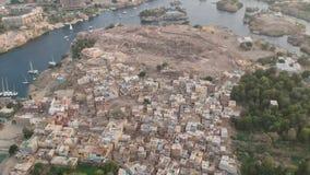 Metraggio del fuco del fiume Nilo, tempio di Karnak e città Luxor nell'Egitto archivi video