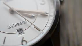 Metraggio del hd di tempo di fronte dell'orologio stock footage