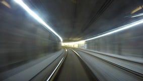 metraggio del timelapse 4K: Un vecchio tram sotterraneo di Vienna sul suo itinerario archivi video