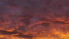 Metraggio di lasso di tempo delle nuvole con i colori vivi dreamy hallucinogenic video d archivio
