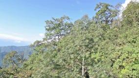 Metraggio di riserva aereo delle montagne himalayane stock footage
