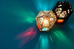 Metraggio statico di scarsa visibilità di vista superiore della lanterna marocchina fotografia stock libera da diritti
