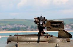 Metralhadora de guerra de mundo 2 no tanque verde Imagens de Stock