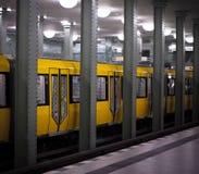 Metro amarillo Foto de archivo