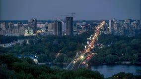 Metro-Brücke in Kiew in der Dämmerung stock video