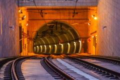 Metro de Ingang van de Treintunnel op de Brug van Dom Luiz in Porto Royalty-vrije Stock Foto