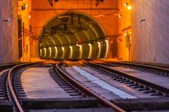 Metro de Ingang van de Treintunnel op de Brug van Dom Luiz in Porto Royalty-vrije Stock Foto's