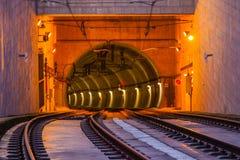 Metro de Ingang van de Treintunnel op de Brug van Dom Luiz in Porto Royalty-vrije Stock Fotografie