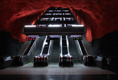 Metro del subterráneo de las escaleras de la escalera móvil Fotografía de archivo libre de regalías