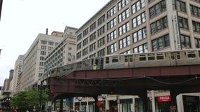 Metro elevado no distrito financeiro do laço de Chicago filme