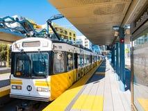 Metro-helle Schiene in im Stadtzentrum gelegener Santa Monica Platform lizenzfreies stockfoto