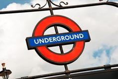 Metro londyński znak Zdjęcia Royalty Free