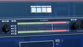 Metro máximo en el tablero sano metrajes