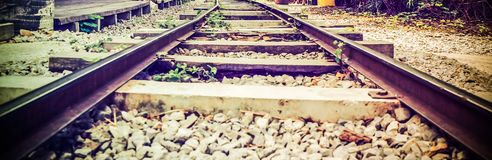 Metro op de manier door trein stock afbeeldingen