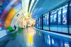 Metro post in Parijs stock afbeeldingen