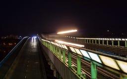 Metro przechodzi most w Kijów, Ukraina Zdjęcie Stock