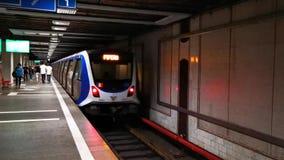 Metro przy Aviatorilor stacją metrą w Bucharest, Rumunia zbiory