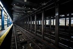Metro staci metru Pusty dok w Miasto Nowy Jork na linii t Obrazy Royalty Free