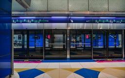 Metro-Station in Dubai, UAE lizenzfreie stockfotos