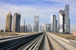 Metro Trein, spoorweg in Doubai Royalty-vrije Stock Foto's
