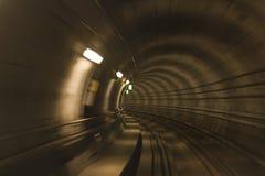 Metro tunnel, vage motie Stock Foto