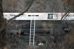 Metronordzugentgleisung im Bronx lizenzfreie stockfotos