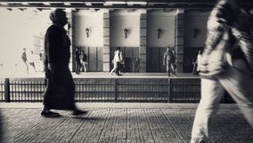 Metropendler auf Plattformen Lizenzfreies Stockfoto