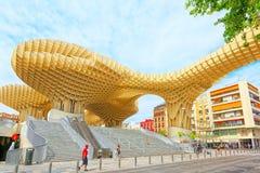 Metropol遮阳伞是一个木结构位于La恩卡纳西翁 免版税库存照片