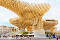 Metropol遮阳伞是一个木结构位于La恩卡纳西翁 免版税库存图片