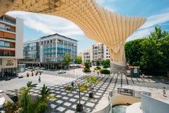 Metropol遮阳伞是木结构被找出的Plaza de la Encar 免版税库存照片