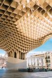 Metropol遮阳伞是木结构被找出的Plaza de la Encar 图库摄影